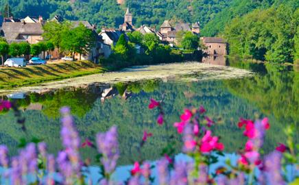 Entraygues sur Truyère, beau village en Aveyron