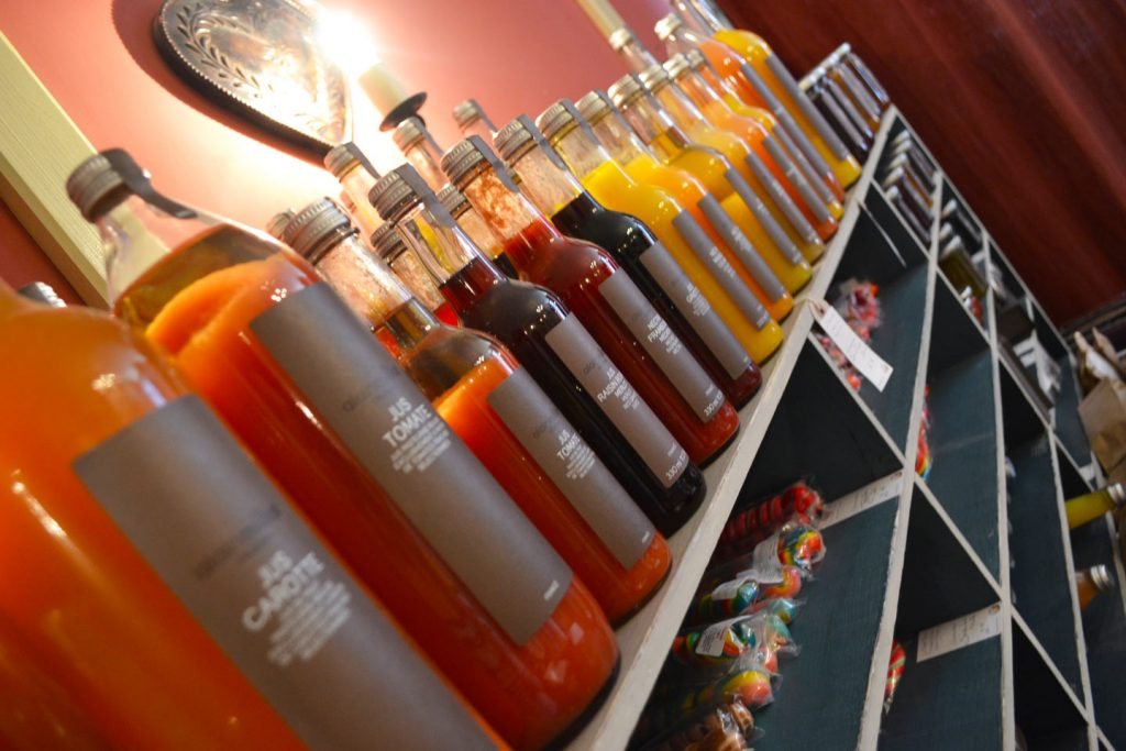 Jus de fruits vitaminés en vente au chouroom